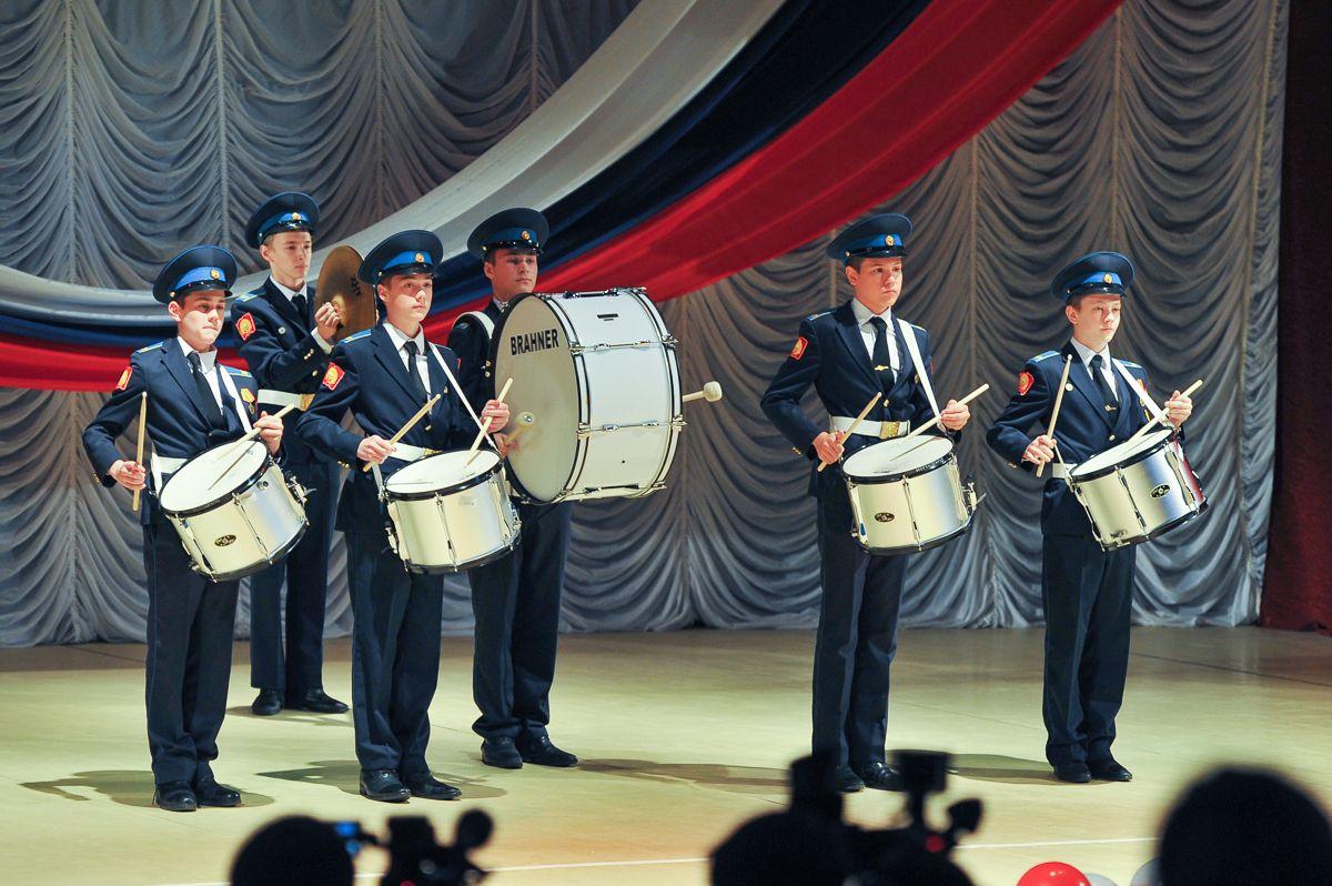 Руководитель Ставрополья Владимир Владимиров поздравил кадет сприсягой