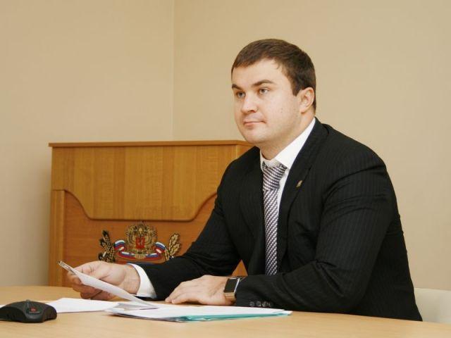 Жители Предгорного района пришли с проблемами к министру энергетики, промышленности и связи Ставрополья