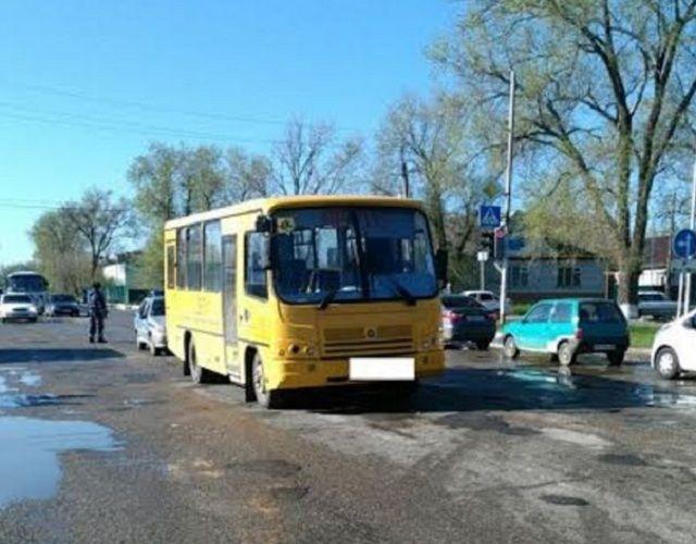 ВИпатово шофёр школьного автобуса насмерть сбил пешехода