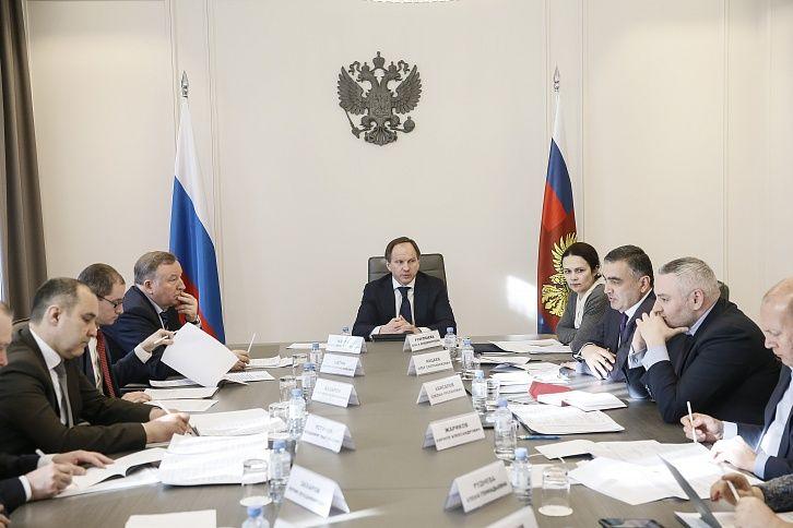 Министр РФ по делам Северного Кавказа обсудил с губернатором Алтайского края эксперимент по развитию курортов