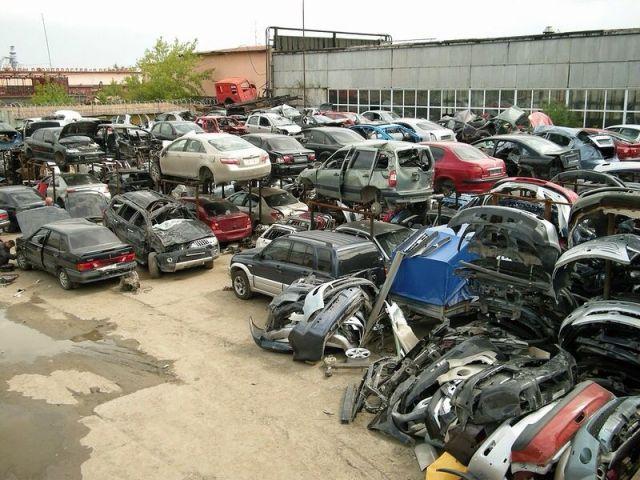 Житель Ставрополя взял в аренду автомобиль и сдал его разбор автозапчастей