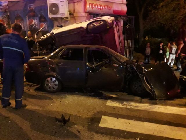 В Ставрополе столкнулись три легковушки, пострадали три человека