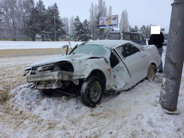 В Ставрополе водитель сбил щит и опору ЛЭП