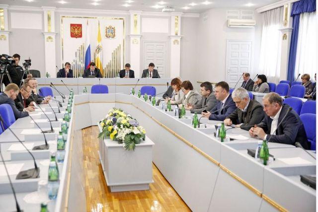 Депутаты Думы Ставропольского края обсудили актуальные проблемы