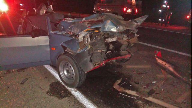 На Ставрополье трое пассажиров погибли на месте в аварии с КАМАЗом