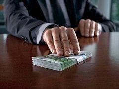 Сотрудники наркоконтроля подозреваются в получении взятки