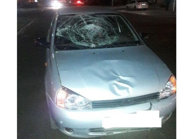 В Ставрополе под колёса автомобиля попала девушка