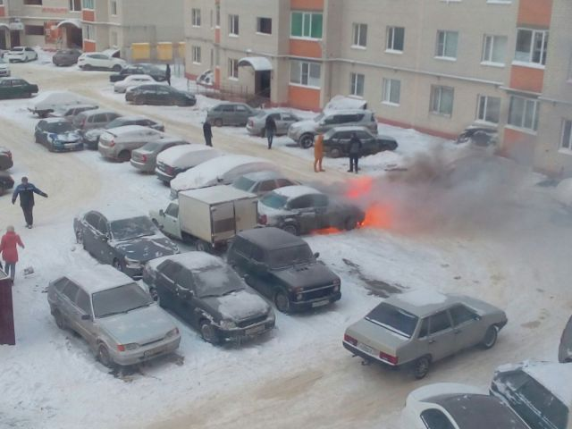 В Ставрополе сгорел легковой автомобиль