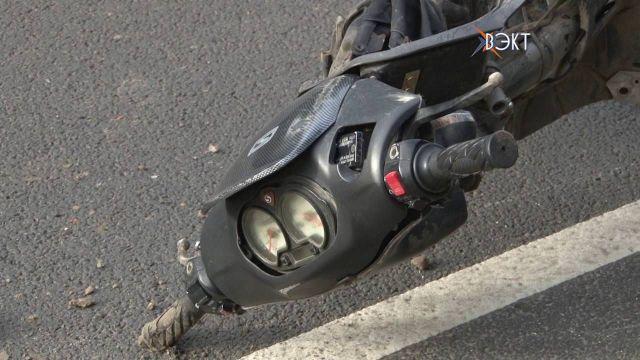 В Пятигорске 18-летний водитель скутера не справился с управлением и получил сотрясение мозга