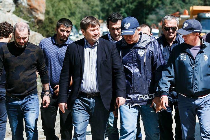 Одес Байсултанов побывал в зоне ЧС в КБР, где накануне сошёл сель