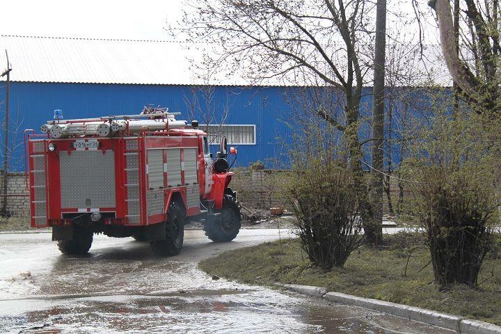 Ставропольские пожарные потушили овощной склад