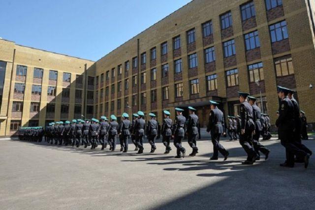 В Ставрополе состоялся торжественный выпуск молодых офицеров Голицынского пограничного института ФСБ России