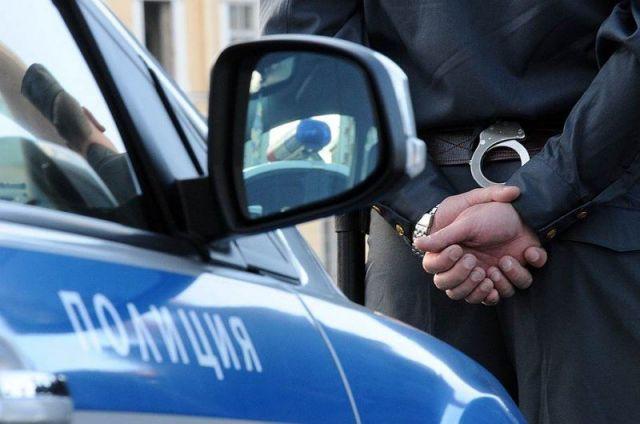 Полицейские задержали подозреваемых в краже около 2,5 миллиона рублей из автомобилей на Ставрополье