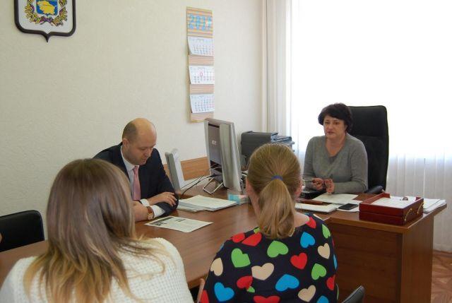 Представитель губернатора Наталья Образцова провела приём граждан в Невинномысске