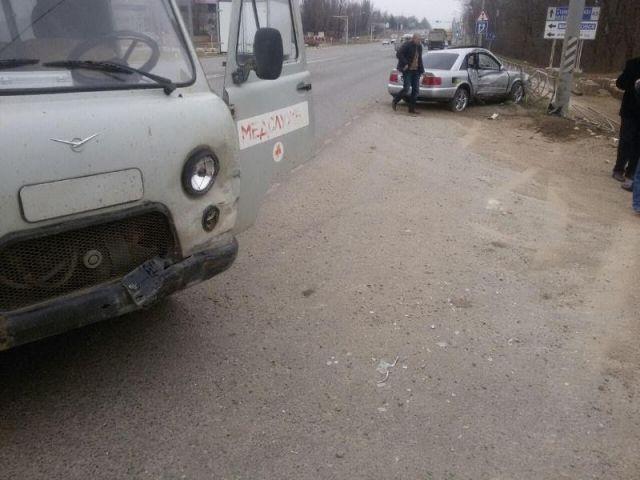 В Шпаковском районе водитель автомобиля медслужбы спровоцировал ДТП