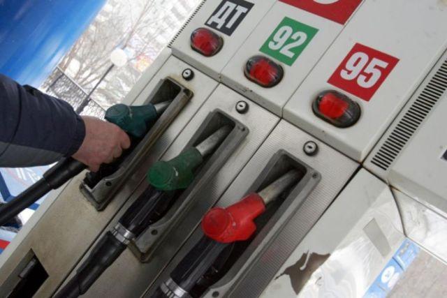 АЗС начали скрыто повышать цены на топливо для корпоративных клиентов