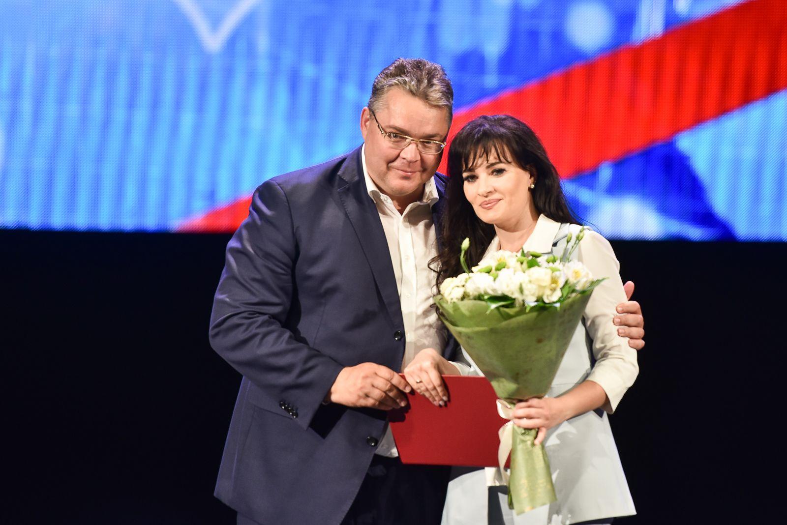 Лучшие медики Ставрополья получили награды в преддверии Дня медицинского работника