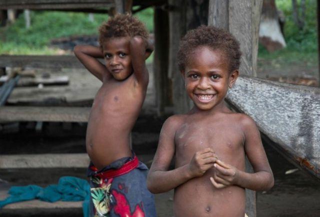 Жители Пятигорска поздравят детей папуасов с Новым годом