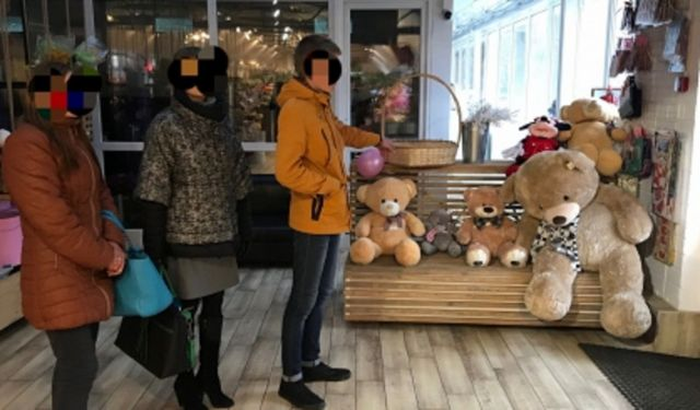 На Ставрополье двое парней украли из торгового павильона мягкие игрушки
