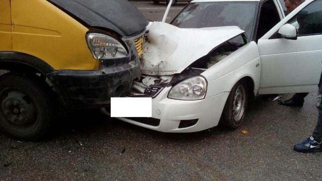 Три человека пострадали в тройном ДТП в Ставрополе