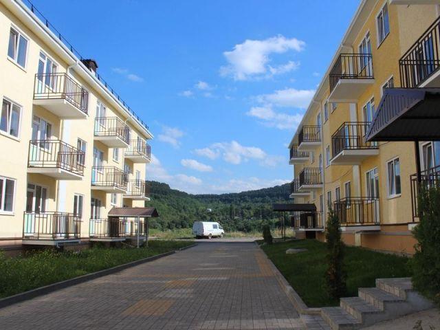 Руководство полпредства и краевого правительства осмотрело в Кисловодске дома для переселения людей из ветхого и аварийного жилья