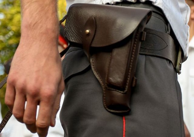 Патрульные ГИБДД во время преследования нарушителя застрелили мужчину за рулём машины