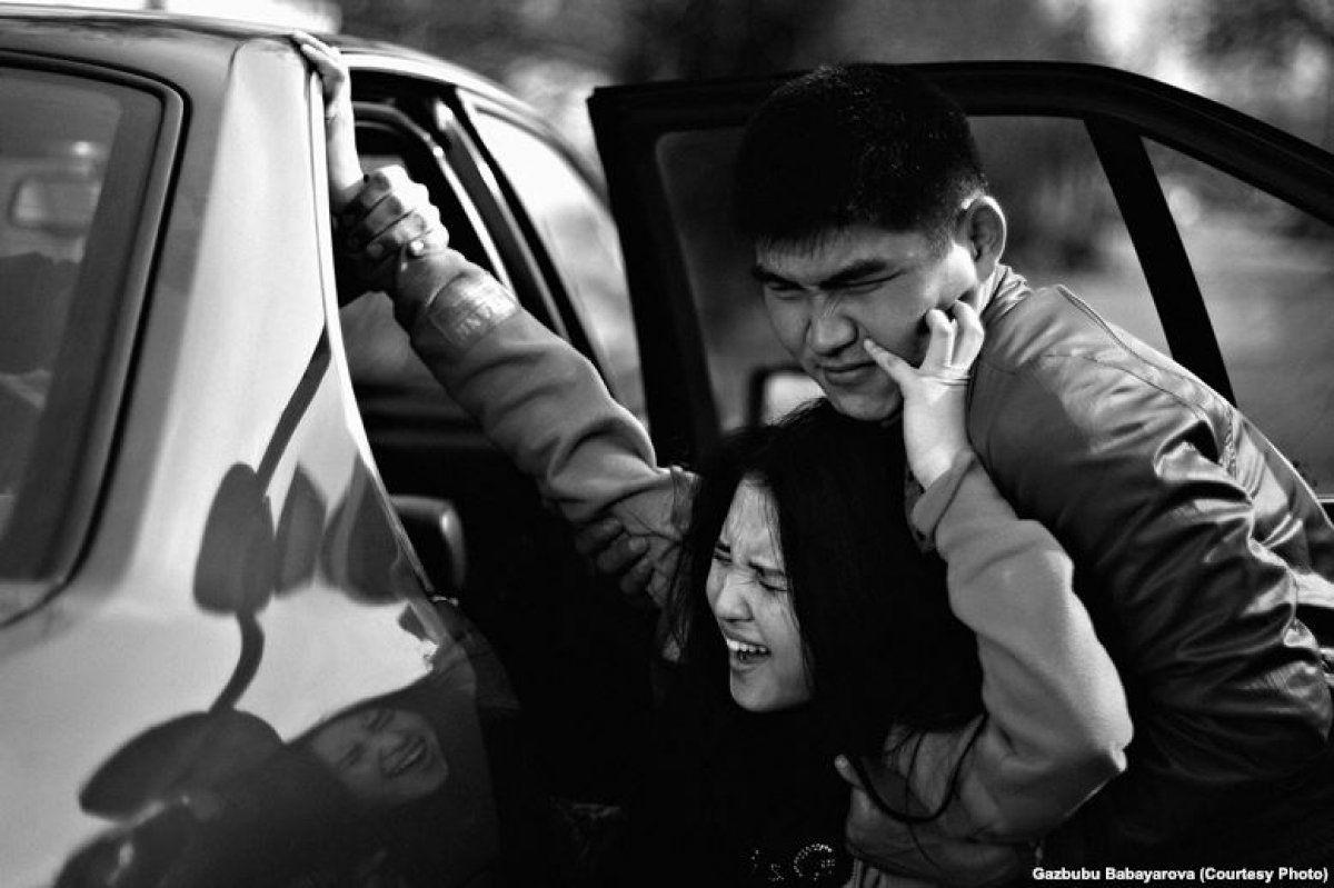 НаСтаврополье задержали мужчин, похитивших девушку сцелью женитьбы