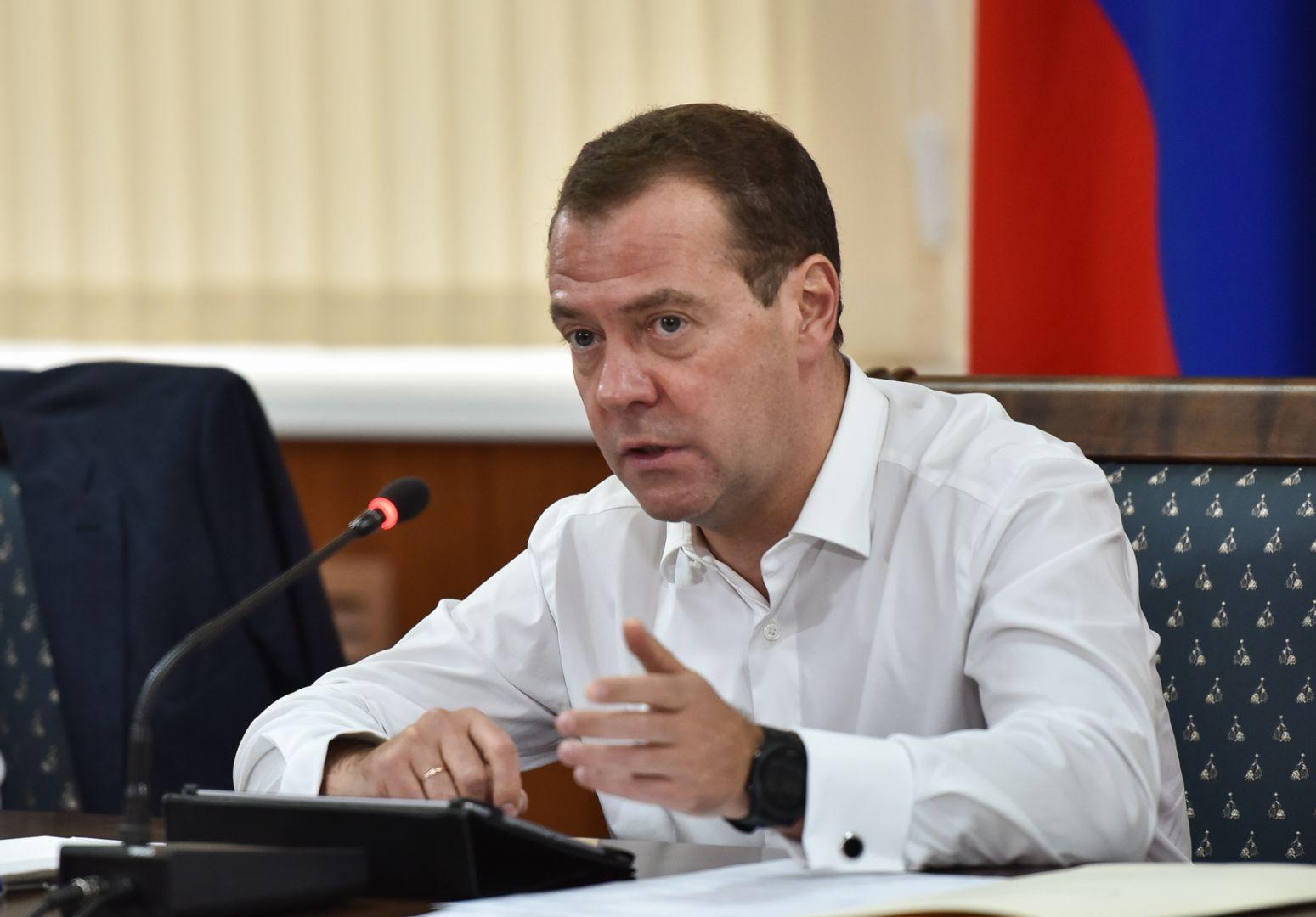 Медведев пошутил поповоду чернозема, который немцы вывозили вГерманию