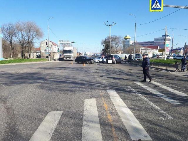 На Ставрополье столкнулись две легковушки, пострадали две женщины