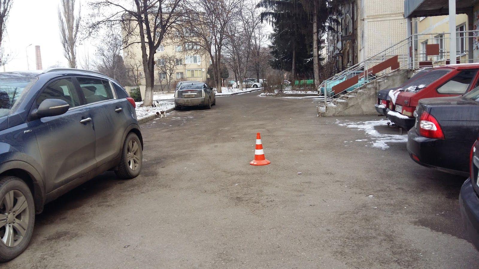 Пятигорский автолюбитель чуть нераздавил школьника иуехал