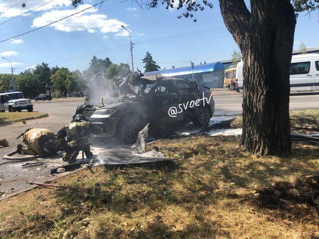 На выезде из Ставрополя взорвалась машина