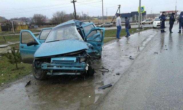 В Ставропольском крае два человека погибли в ДТП с грузовиком
