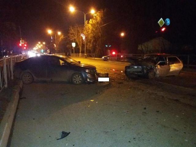 В Ставропольском крае столкнулись две легковушки, трое пострадавших