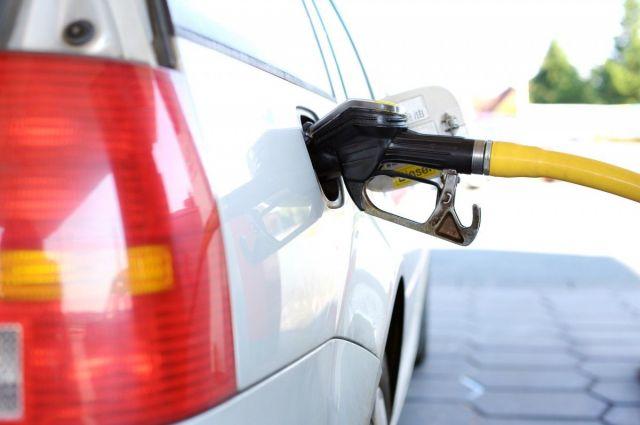 На автозаправках в России выявили массовый недолив топлива