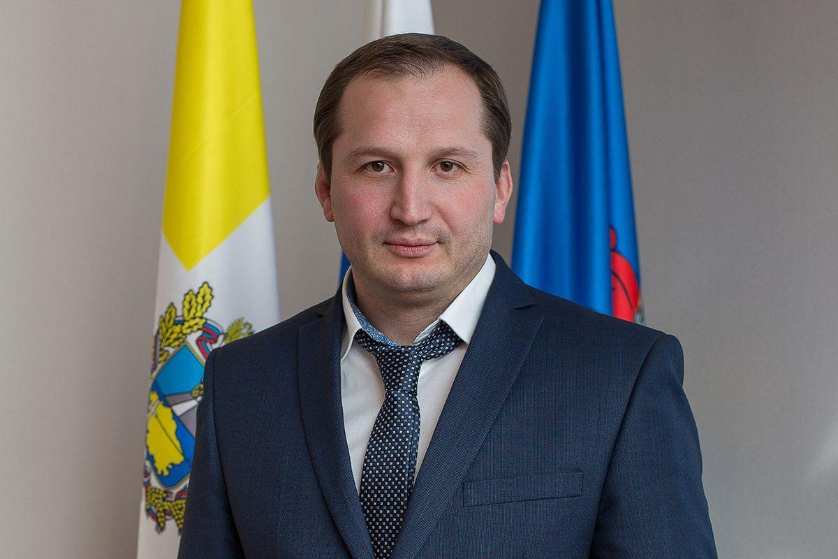 Экс-мэр Георгиевского округа потребовал восстановить его в должности главы