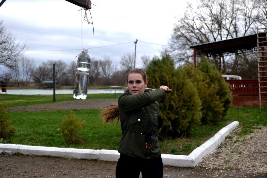 Казачки Ставрополья обучаются рубке шашкой