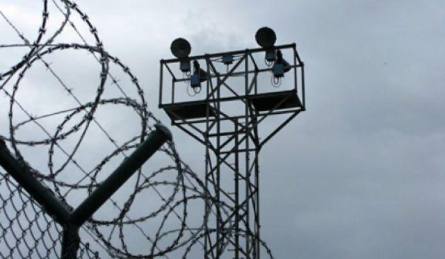 Жителя Ставрополья приговорили к 7 годам заключения за взятку полицейскому