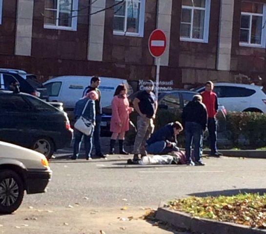 В Ставрополе легковушка сбила женщину, переходившую дорогу в неположенном месте
