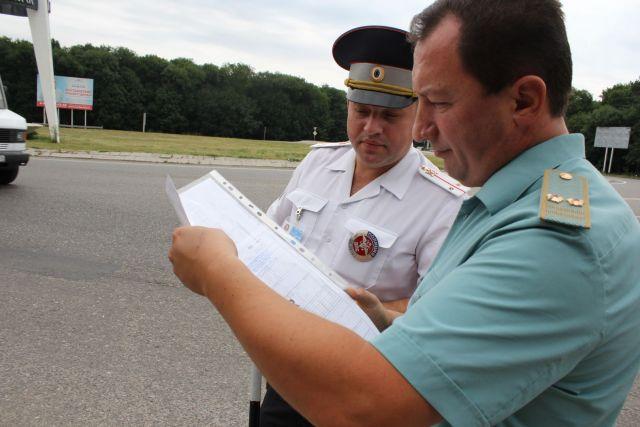 Полицейские и таможенники Ставрополья проверили иностранные автомобили