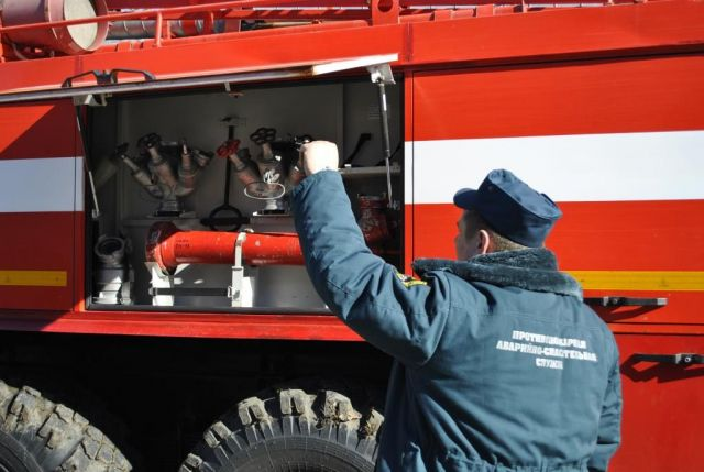 На Ставрополье легковушка столкнулась с трактором, есть пострадавшие