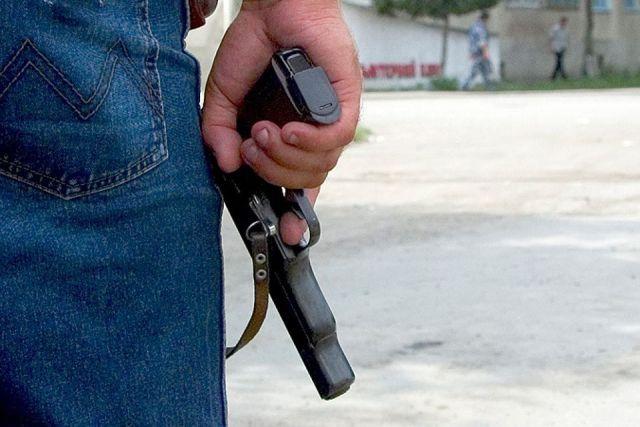 Мужчину с пистолетом задержали на одной из улиц Ставрополья