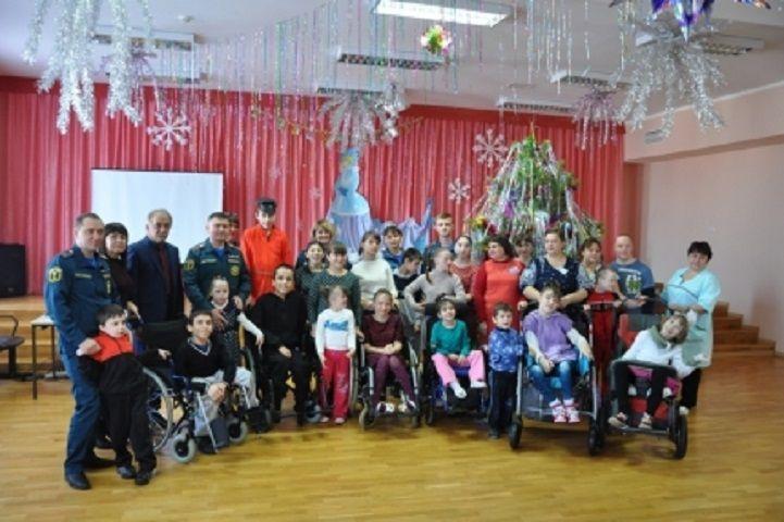 Сотрудники МЧС Ставрополья поздравили воспитанников детского дома-интерната