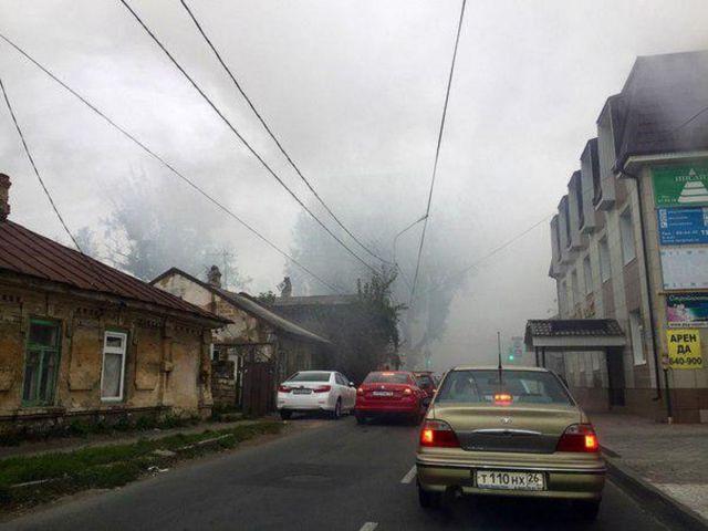 В Ставрополе загорелась крыша жилого дома