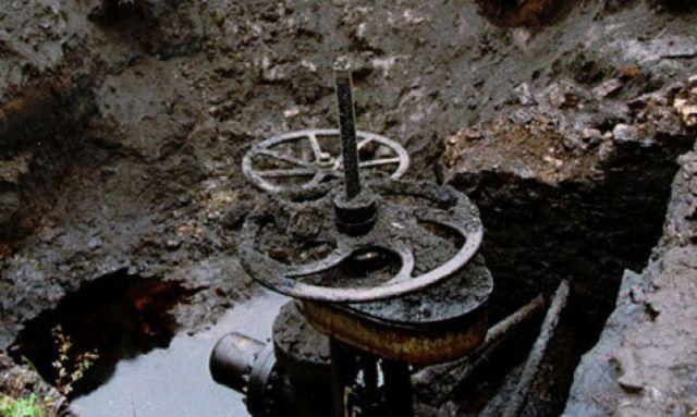 В Ставропольском крае из-за незаконной врезки разлилась нефть