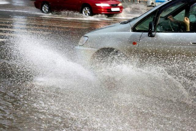 В Ставрополе из-за порыва трубы затопило улицу
