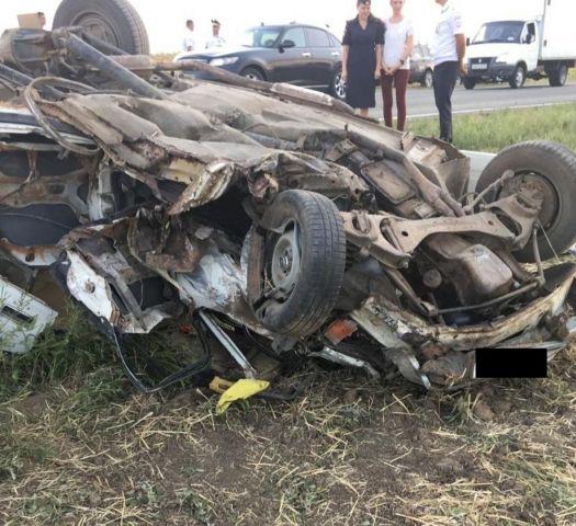 На Ставрополье водитель легковушки столкнулся с двумя автомобилями, есть погибший