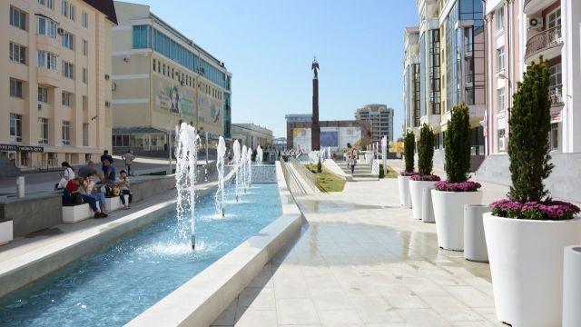 Александровская площадь Ставрополя готовится ко Дню города