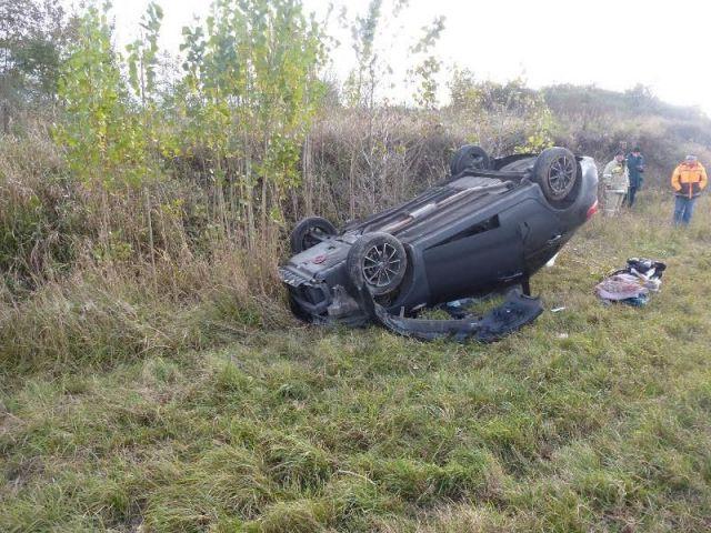 На Ставрополье столкнулись три автомобиля, трое пострадали