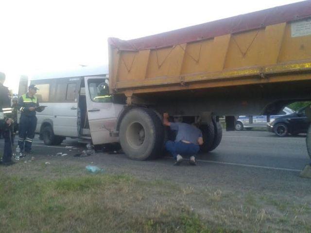 В Ставропольском крае столкнулись маршрутка с пассажирами и «КамАЗ»