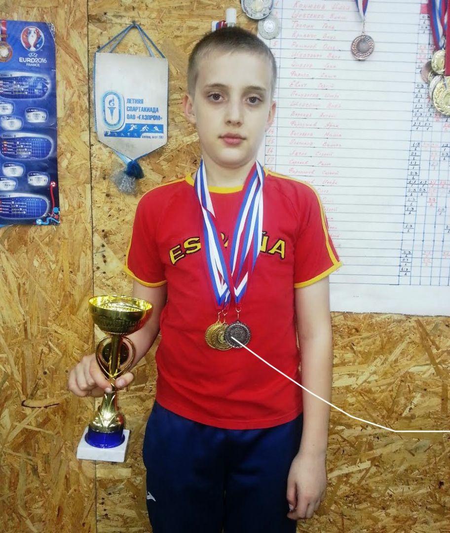 Ставропольский спортсмен привёз с первенства СКФО по настольному теннису три медали